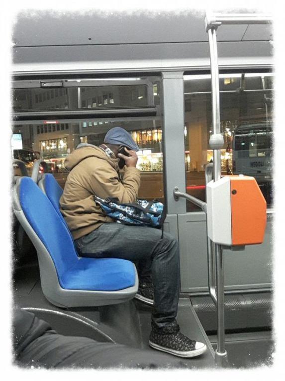 telefonieren-im-bus-2016-img_20161202_182236-blog